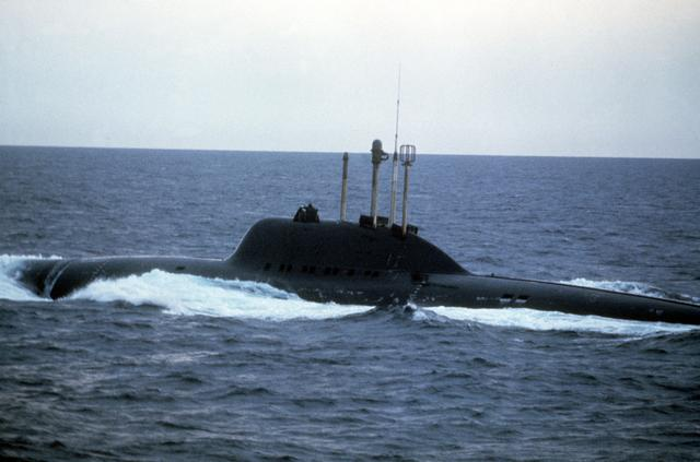 Alfa_class_submarine.jpg.06fa1f19801e3e380d74b861fd9a7447.jpg