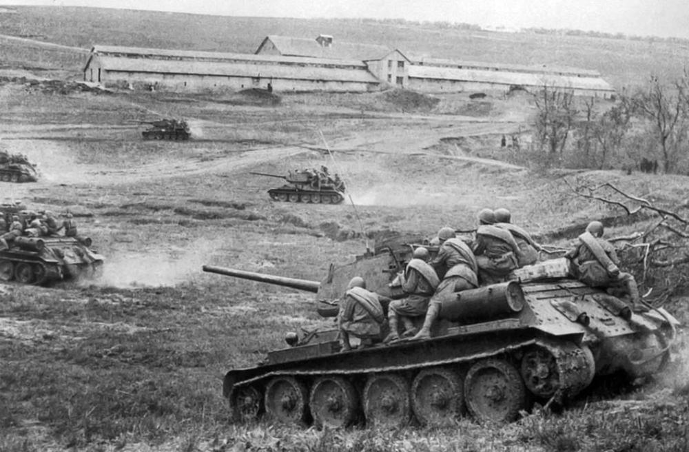 t3485-d5t_razdelnaya_1944.jpg